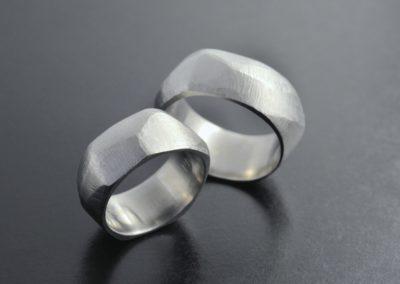 Eheringe: Silber, abgetragenes Finish