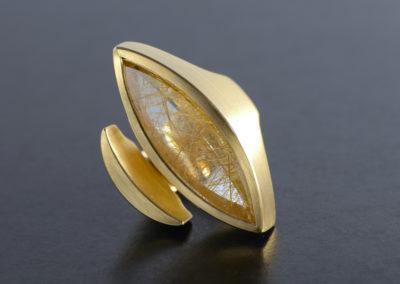 Ring: Gelbgold mit Rutil-Navette