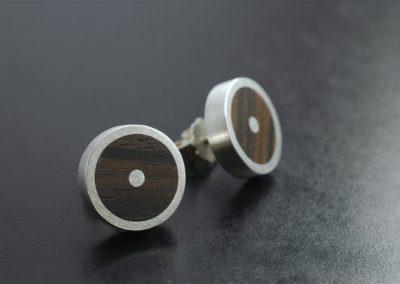 Ohrstecker: Silber und Holz