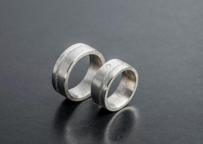 Eheringe: Silber mit Diamant