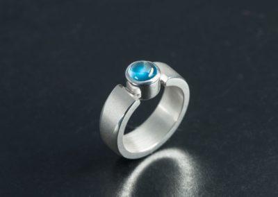 Ring: Silber mit Aquamarin cabochon