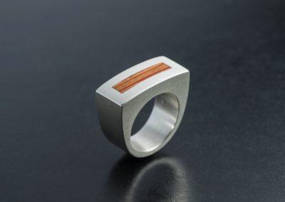 Ring: Silber mit Rosenholz