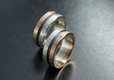 Eheringe: Silber und Silber sulfisiert, Rotgold und Diamant