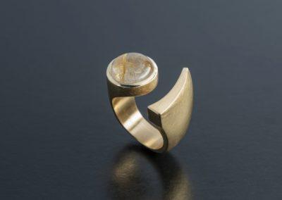 Ring: Gelbgold mit Rutilquarz